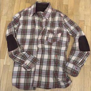 Other - Trendy slim shirt